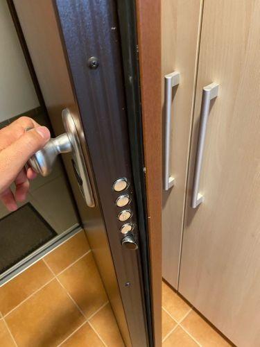 Dierre lakóparki ajtók, problémák